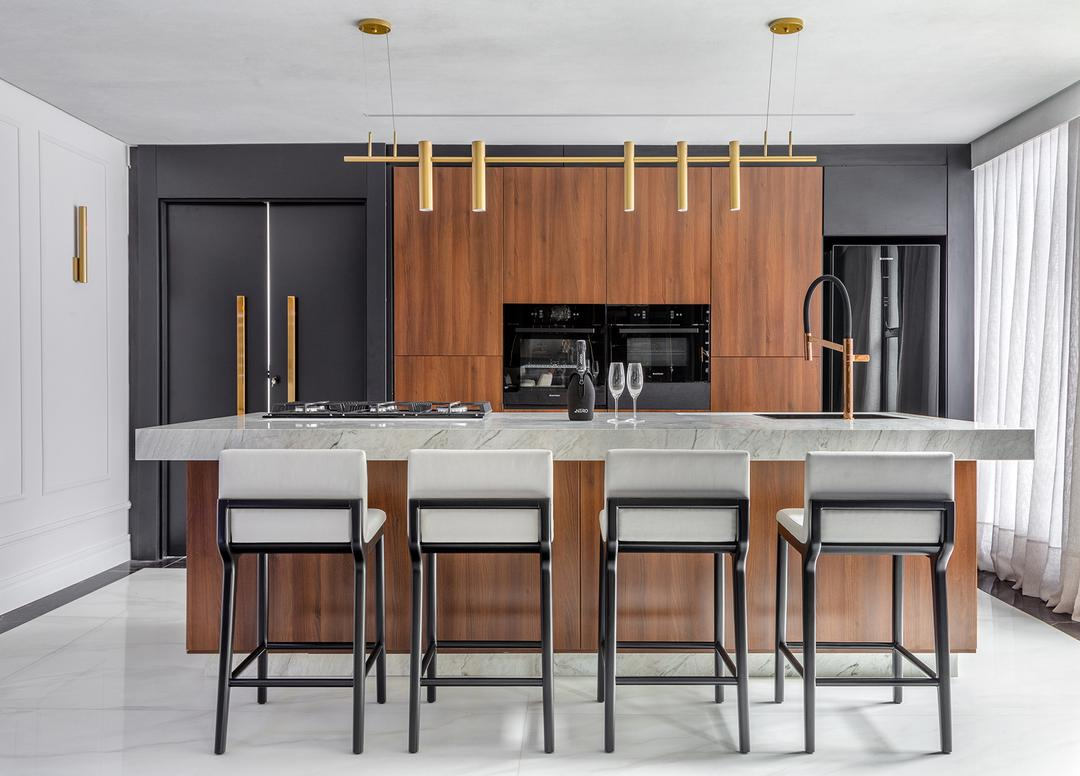 Cozinhas integradas são realidade e ganham diferentes configurações no layout do lar