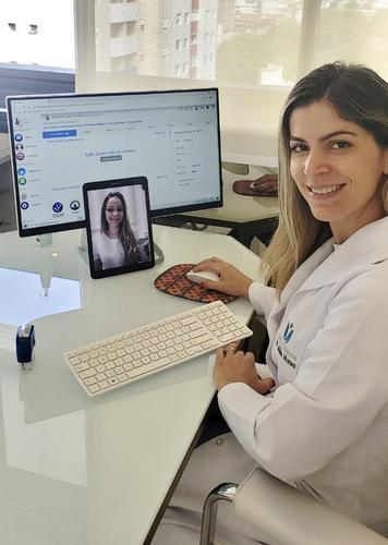 Movimento com especialista: A adaptabilidade para os médicos à telemedicina